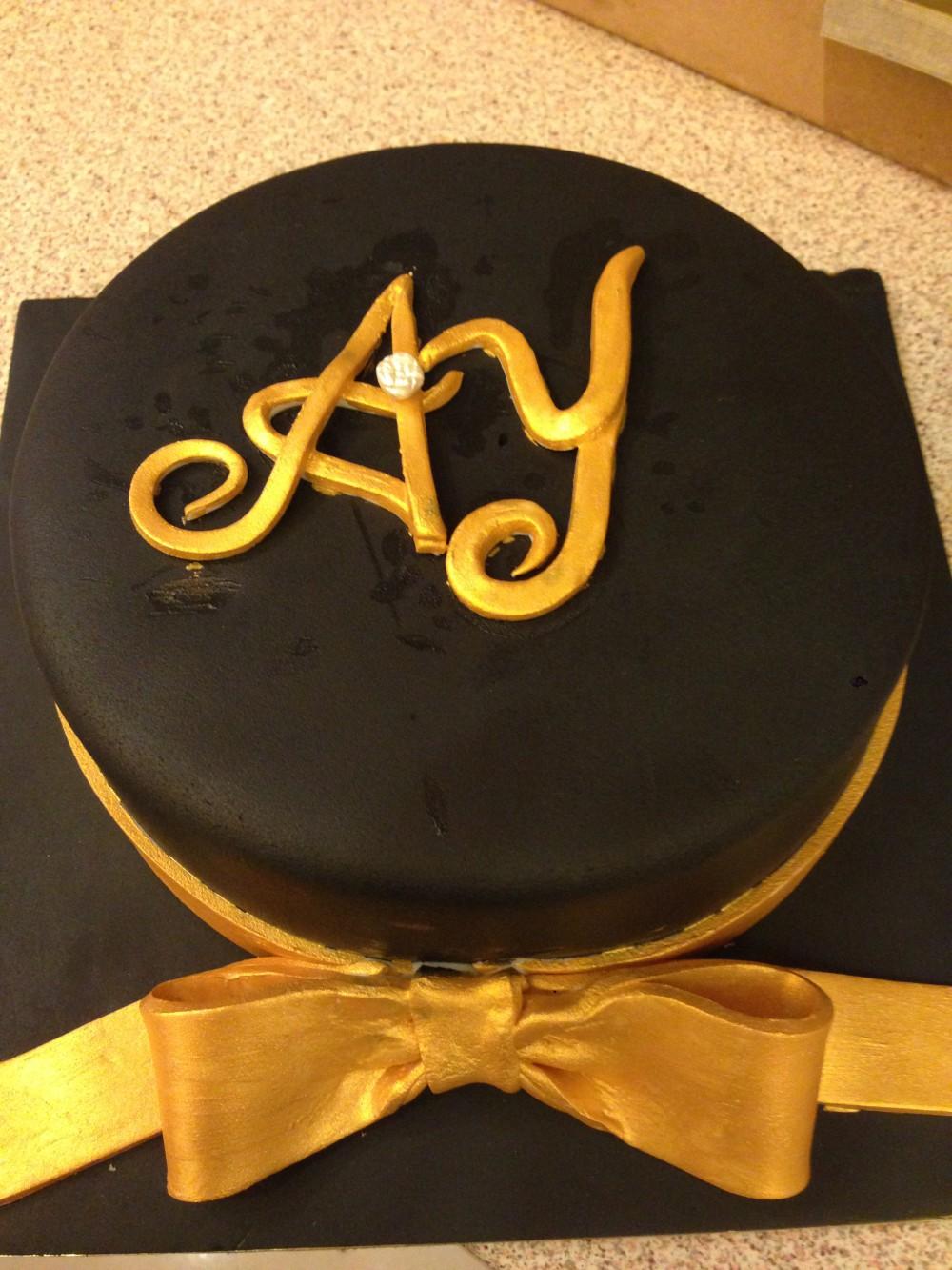 Varak sarı kurdereli pasta siyah - Elan Pastanesi