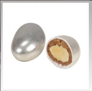 Gümüş badem şekeri